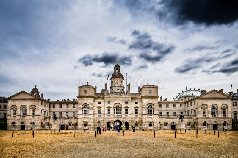 Os protetores de cavalo desfilam, Whitehall, Londres, Reino Unido foto de stock royalty free