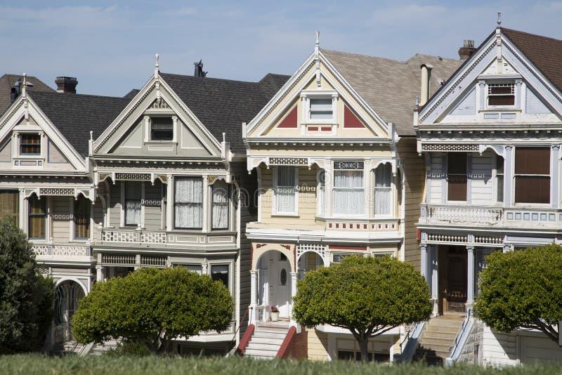 Os quatro pintaram casas das irmãs em San Francisco Califórnia imagens de stock royalty free