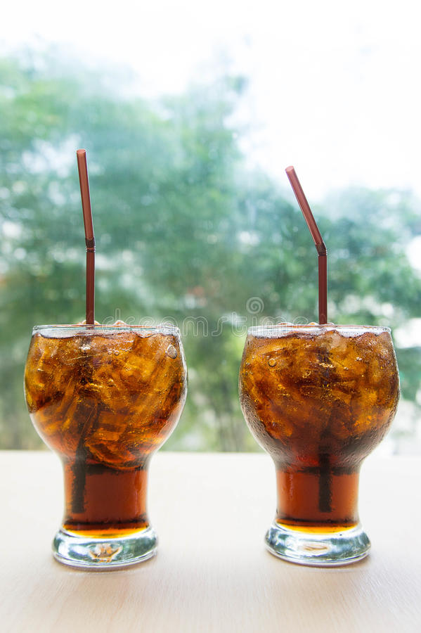 Os refrescos, doce, sede-extinguindo refrescos são populares foto de stock