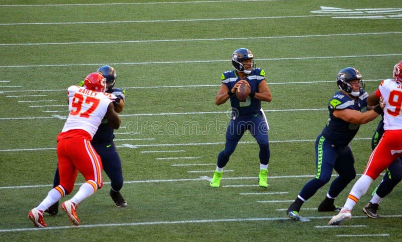 Os Seattle Seahawks CONTRA Kansas City Chiefs imagens de stock royalty free