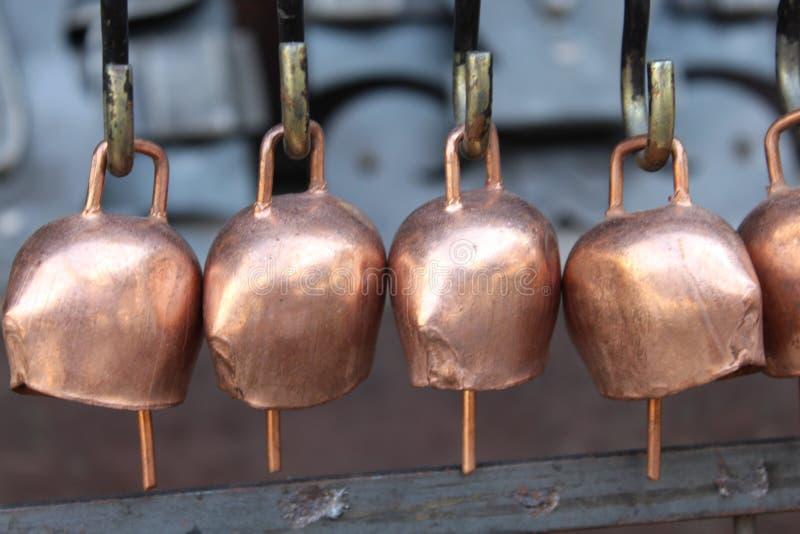 Os sinos feitos a mão imagens de stock