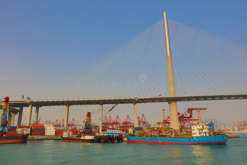 Os Stonecutters constroem uma ponte sobre em HK 2017 fotos de stock royalty free