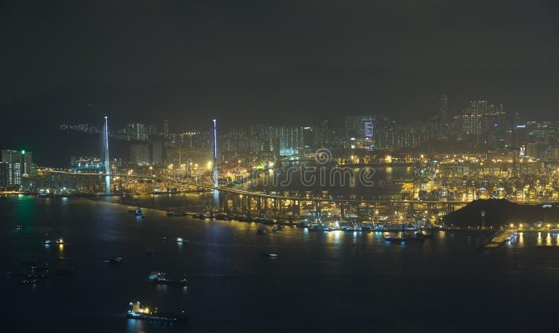 Os Stonecutters constroem uma ponte sobre em Hong Kong imagem de stock