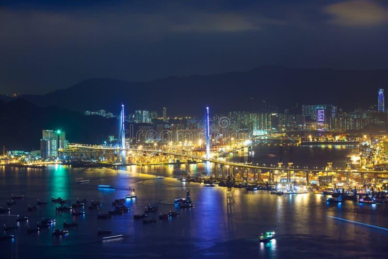 Os Stonecutters constroem uma ponte sobre, Hong Kong imagem de stock