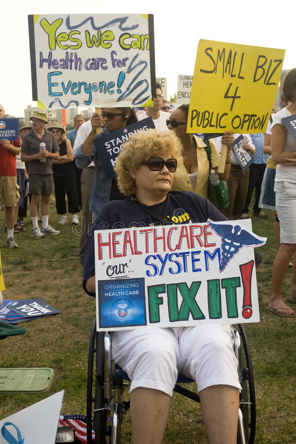 Os suportes dos cuidados médicos reagrupam em Los Angeles imagens de stock