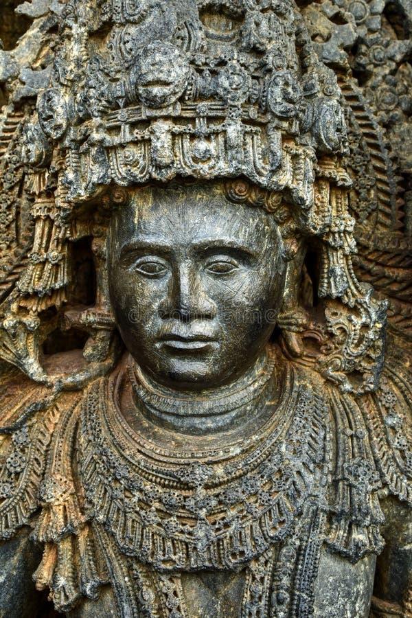 Os templos de Hoysaleshwara e de Kedareshwara são alguns dos exemplos os mais finos da arquitetura de Hoysala Aqui a esteatite fo imagens de stock royalty free