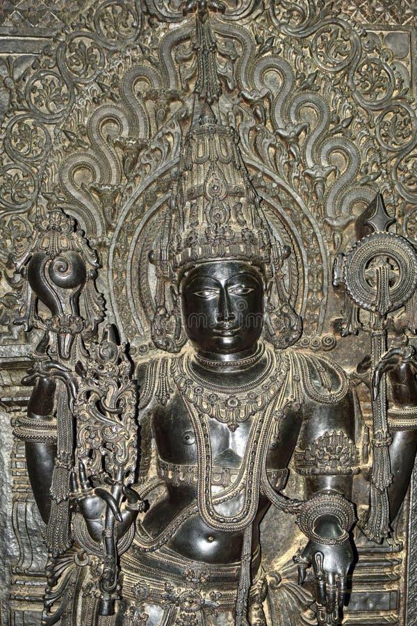 Os templos de Hoysaleshwara e de Kedareshwara são alguns dos exemplos os mais finos da arquitetura de Hoysala Aqui a esteatite fo imagem de stock