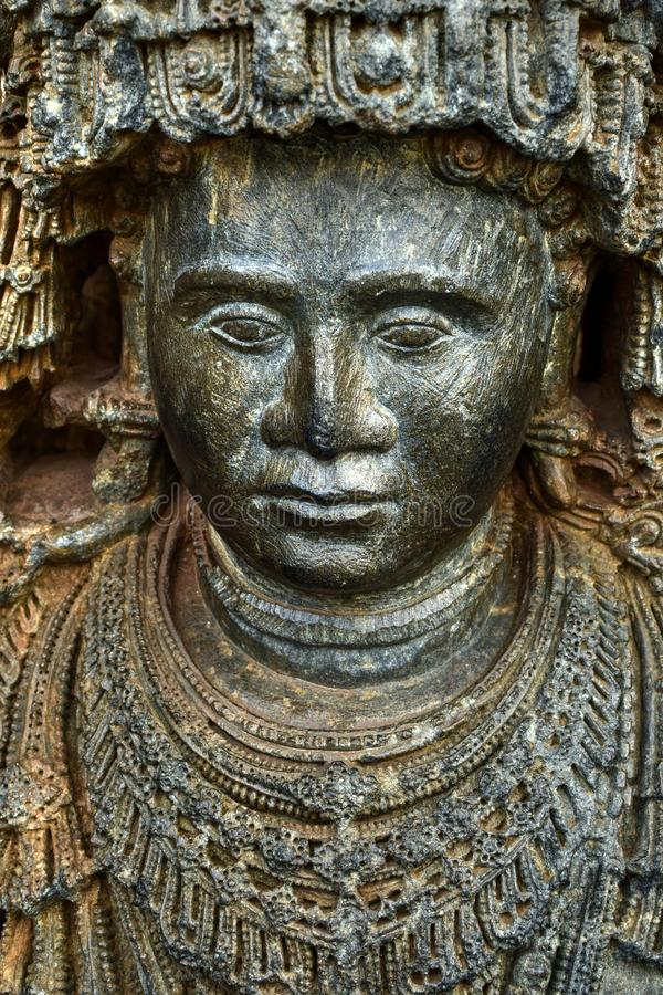 Os templos de Hoysaleshwara e de Kedareshwara são alguns dos exemplos os mais finos da arquitetura de Hoysala Aqui a esteatite fo imagem de stock royalty free