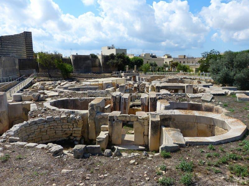 Os templos de Tarxien são a rede a mais complexa de Malta dos templos imagens de stock