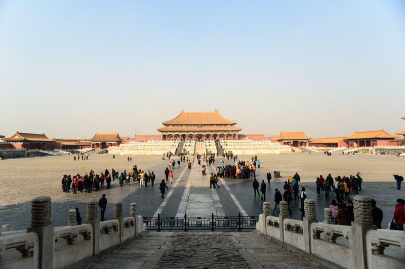 Os turistas visitam a cidade proibida fotografia de stock royalty free