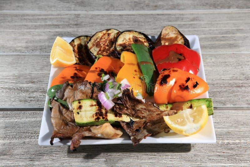 Download Vegetais grelhados foto de stock. Imagem de bebida, placa - 29832054