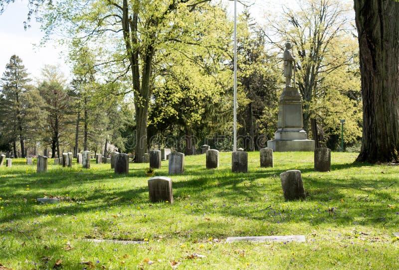 Os veteranos secionam de um cemitério fotos de stock