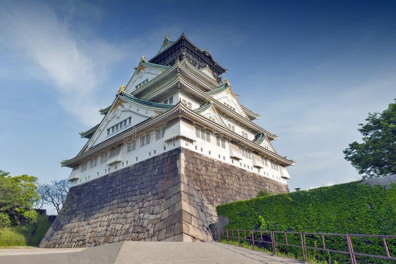 Osaka Castle, beroemdste historische oriëntatiepunt van Japan het in Osaka City, stock fotografie