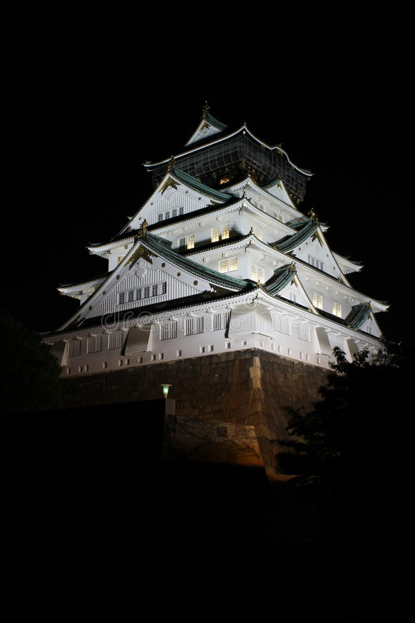 Osaka Castle (nightshot) in Osaka, Japan stock foto's