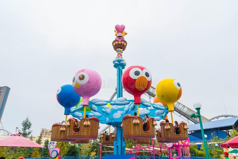 Osaka, Japan - 21 NOV. 2016: De aantrekkelijkheden van het themapark worden gebaseerd die op royalty-vrije stock afbeelding