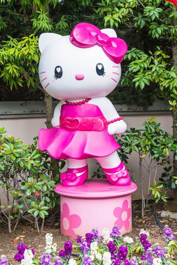 OSAKA JAPAN - NOVEMBER 21 2016: Elmo, pott och nyfiken i allhelgonaafton royaltyfria foton