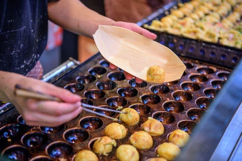 Osaka Japan Okonomiyaki royaltyfria foton