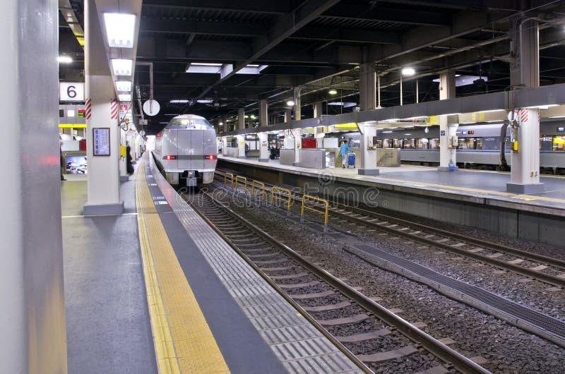OSAKA, JAPON - 10 DÉCEMBRE 2015 : Un train de Thunderbird images libres de droits