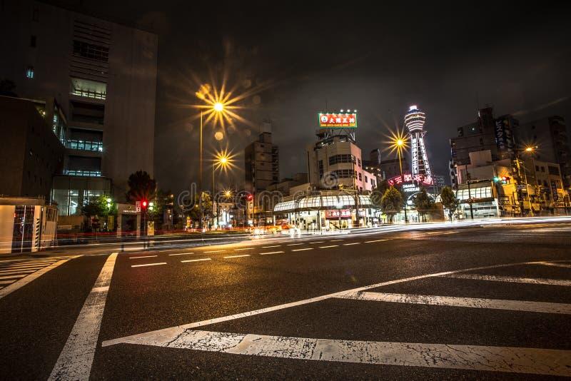 OSAKA - 11. NOVEMBER: Ansicht von Osaka-Stadt nachts in Japan am 11. November 2015 Osaka ist Japans populäre Stadt des Bestimmung stockfoto