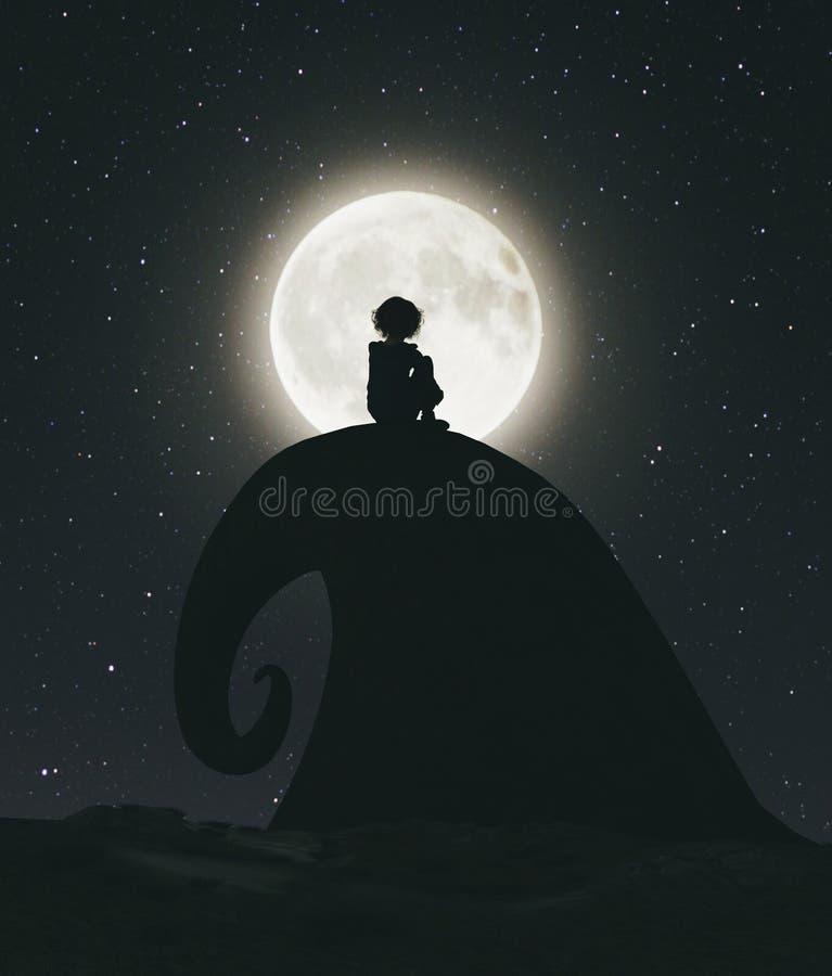 Osamotniona dziewczyna siedzi samotnie na falezie i patrzeje księżyc royalty ilustracja