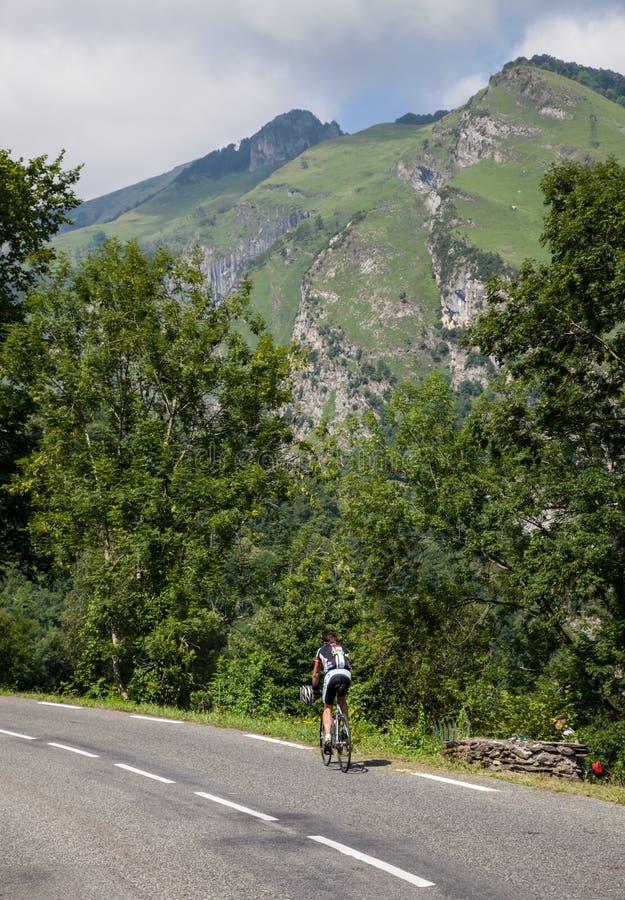 Osamotniony Amatorski cyklista zdjęcia royalty free