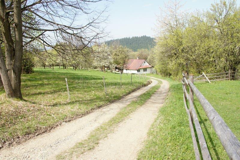 Osamotniony dom blisko Vsetin, Moravia zdjęcia stock