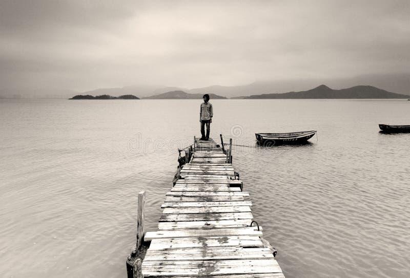 osamotniony mężczyzna zdjęcia royalty free