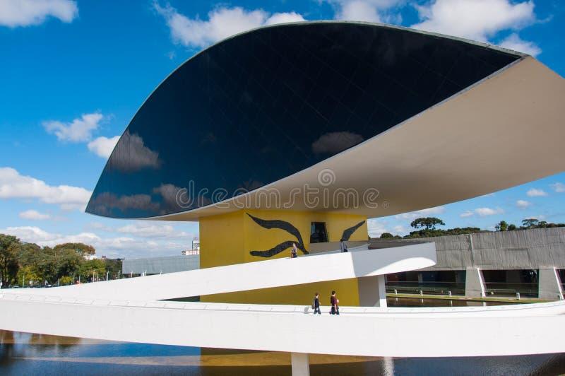 Oscar Niemayer berömda arkitekter museum, Curitiba, Brasilien royaltyfri bild
