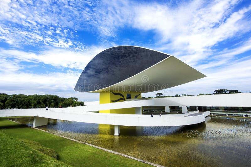 Oscar Niemeyer Museum (aka MON) in Curitiba, Parana, Brazilië stock fotografie