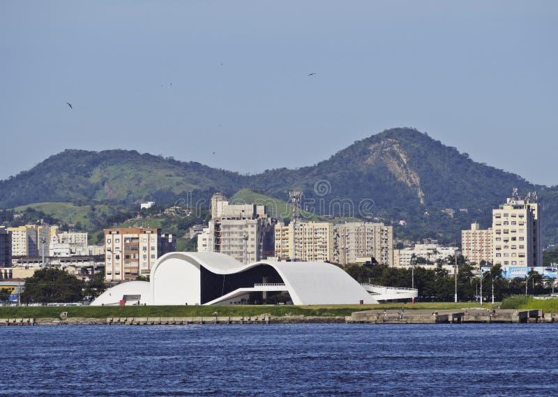 Oscar Niemeyer Theatre i Niteroi arkivfoto