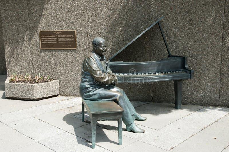 Oscar Peterson Statue - Ottawa - Canadá imagem de stock