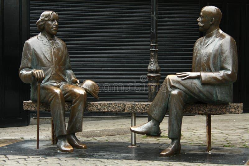Oscar Wilde & Eduard Vilde op de straat van Galway ierland royalty-vrije stock foto