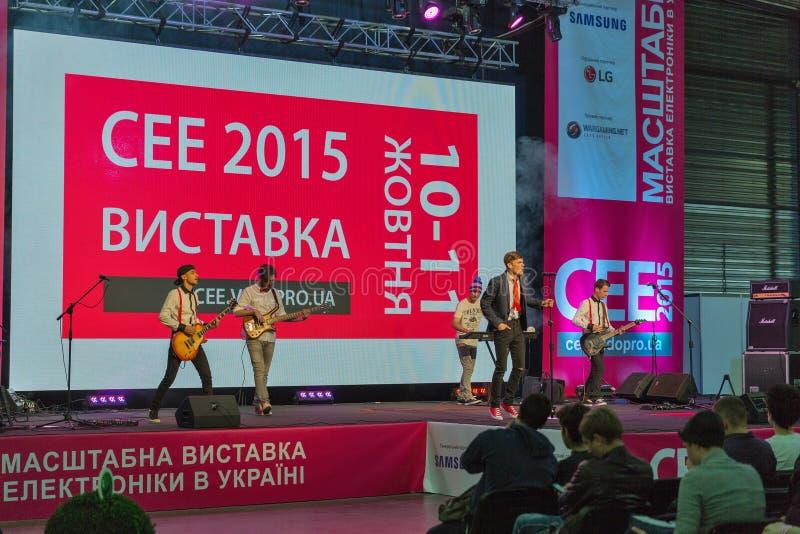 Download Oscile El Funcionamiento En La ECO 2015, La Feria Profesional Más Grande De La Electrónica De Ucrania Foto editorial - Imagen de drive, música: 64212501