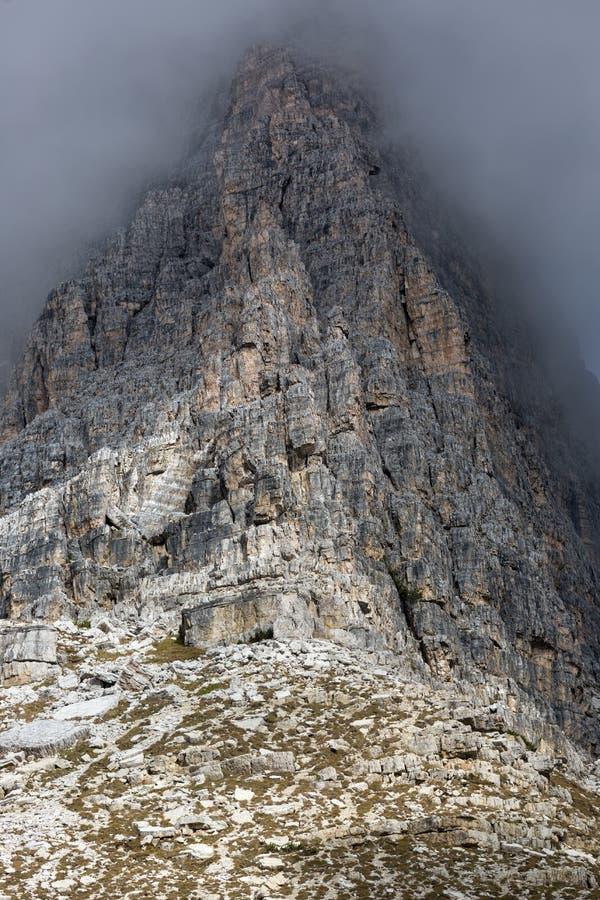 Oscile la cara en Tre Cime National Park, dolomías, Italia imagen de archivo