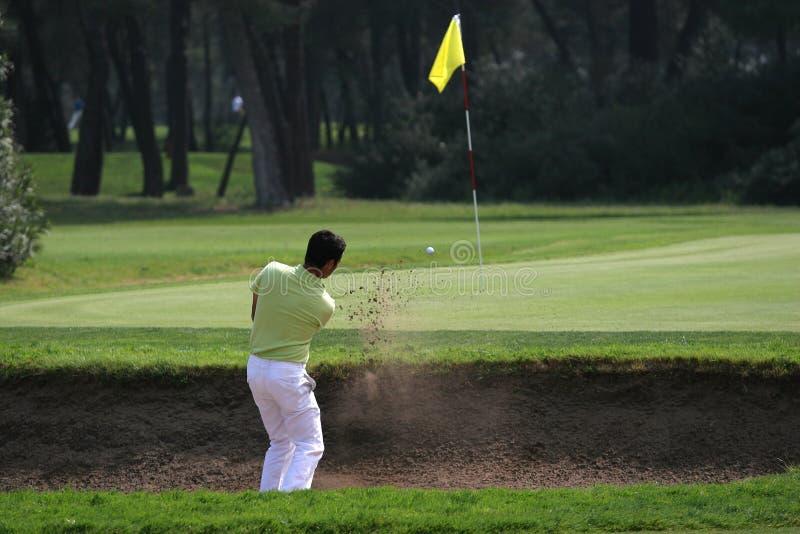 Oscillation de golf dans le tessali de dei de riva photographie stock