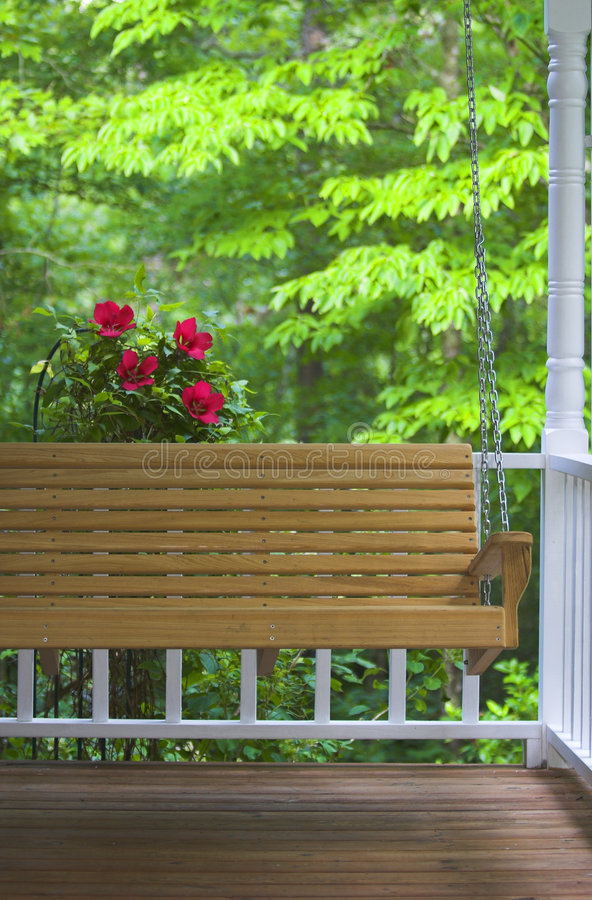 Oscillation et fleurs de porche image stock