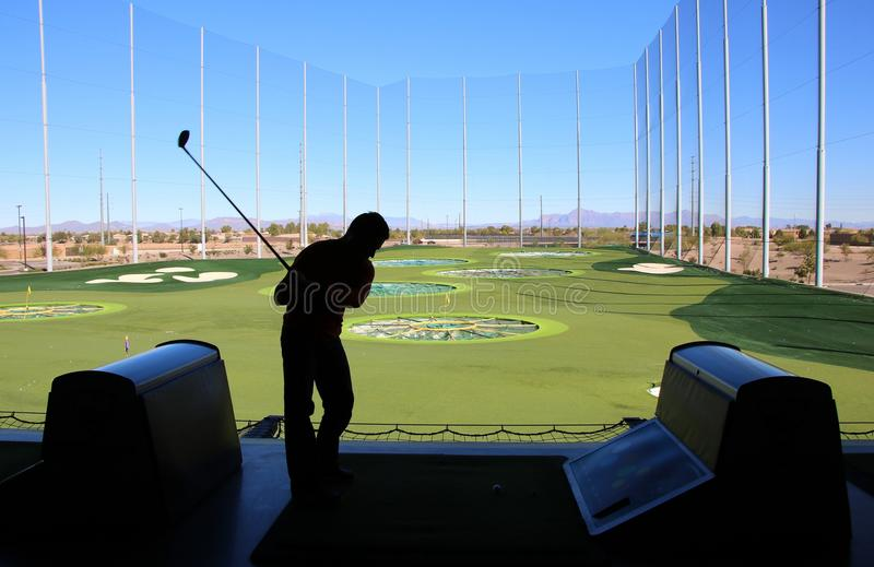 Oscillazione di golf dell'uomo immagine stock libera da diritti
