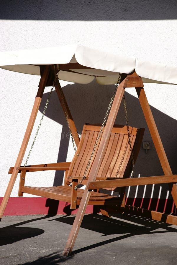 Oscillazione di legno del tek immagine stock libera da diritti