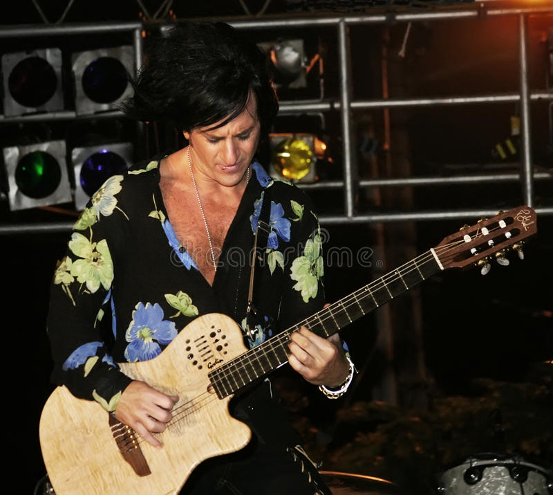 Oscilli il chitarrista Steve Stevens fotografie stock libere da diritti