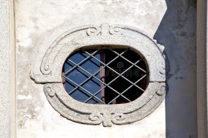 ose sumirago Kirchenvareses Italien t Fenster und Mosaikhimmel SU lizenzfreie stockbilder