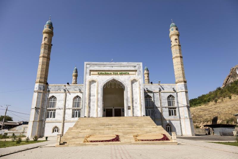 Osh, Кыргызстан 20-ое августа 2018: Экстерьер мечети Sulayman в Osh стоковое фото rf