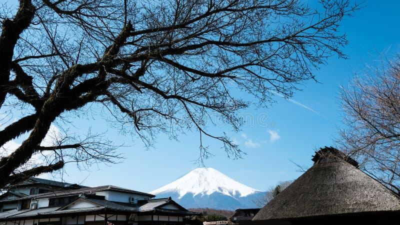 Oshino Hakkai nella prefettura di Yamanashi, distretto di Minamitsuru, Giappone fotografia stock
