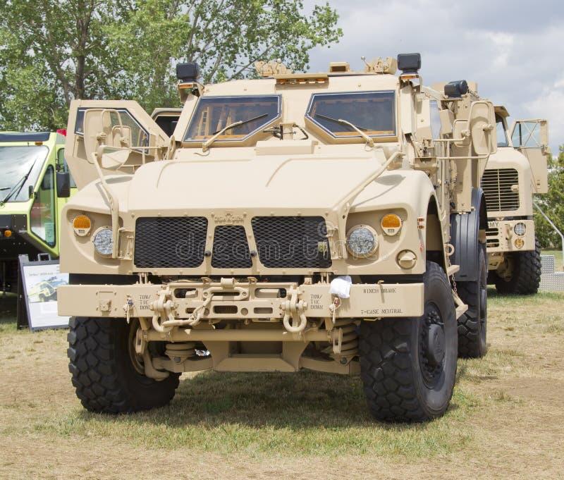 Oshkosh Humvee främre sikt royaltyfria foton