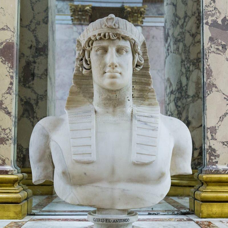 Osiris-Statue an Paris-Museum stockbilder