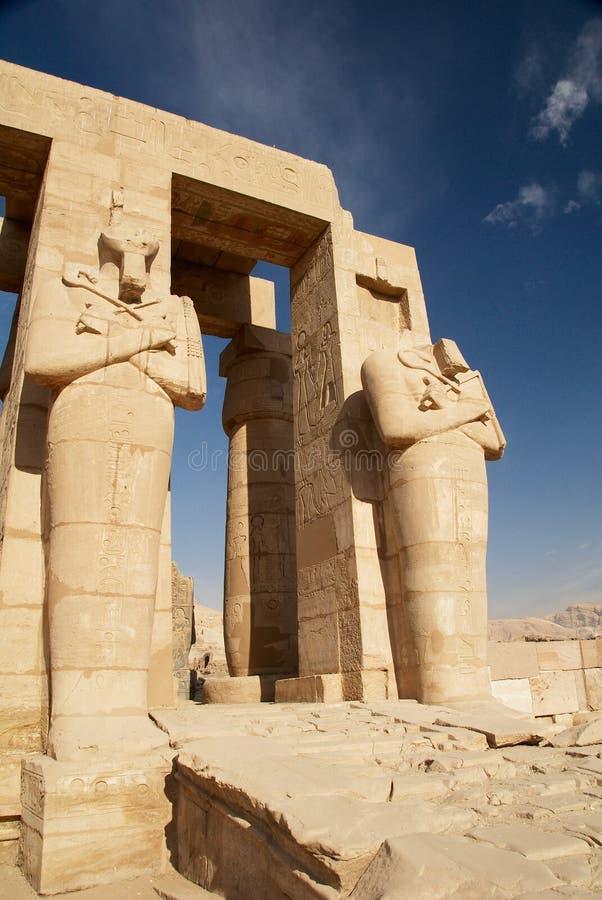 Osiris Statuen. Tempel von Ramesses II. Ägypten stockfotografie