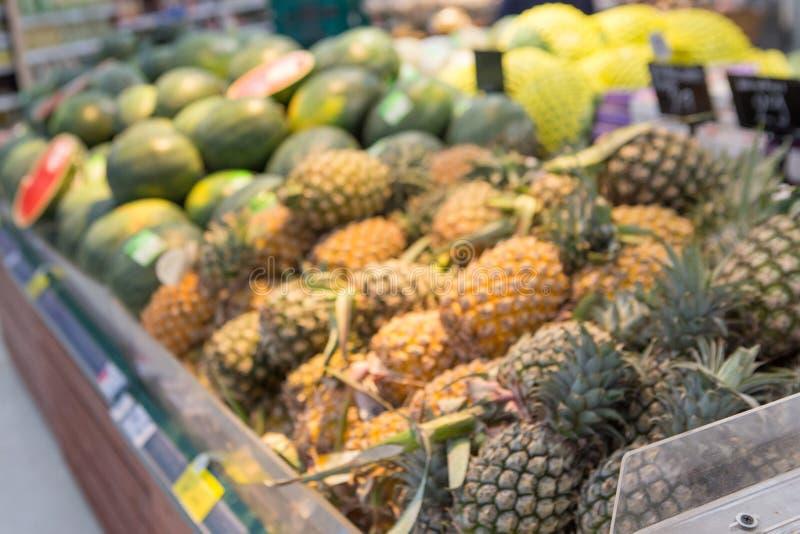 Oskarpa bilder av många frukter arkivfoto