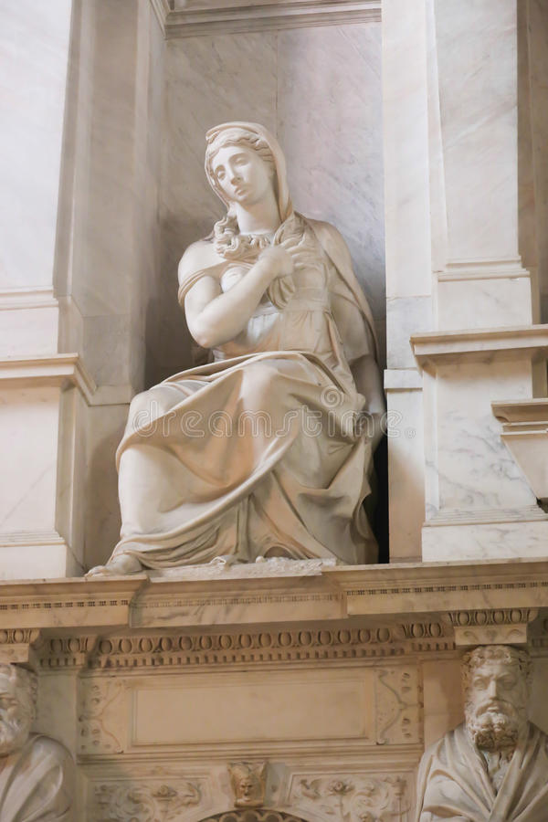 Oskuld Mary Sculpture - Vaticanen, Italien arkivfoton