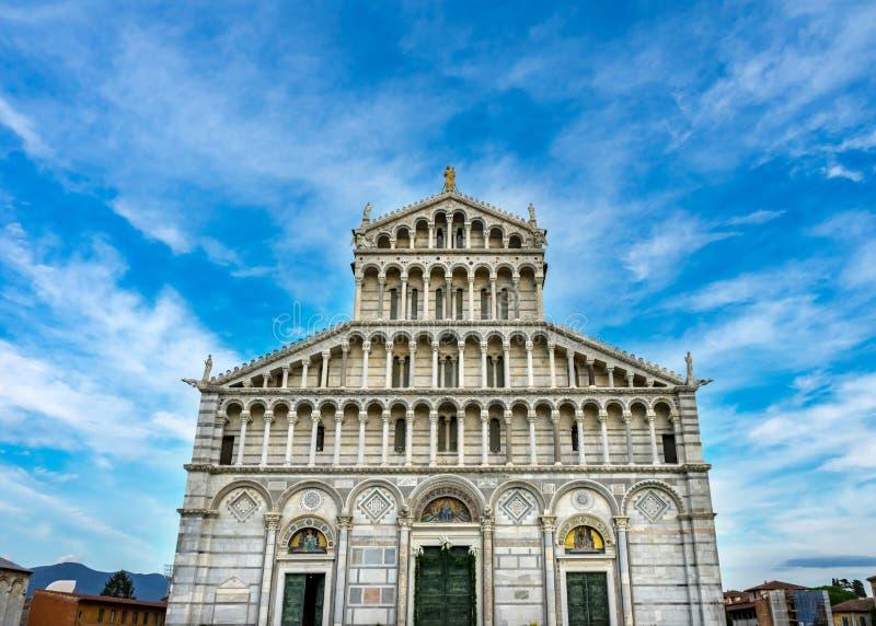 Oskuld Mary Statue Mosaics Cathedral Duomo Pisa Italien royaltyfri fotografi