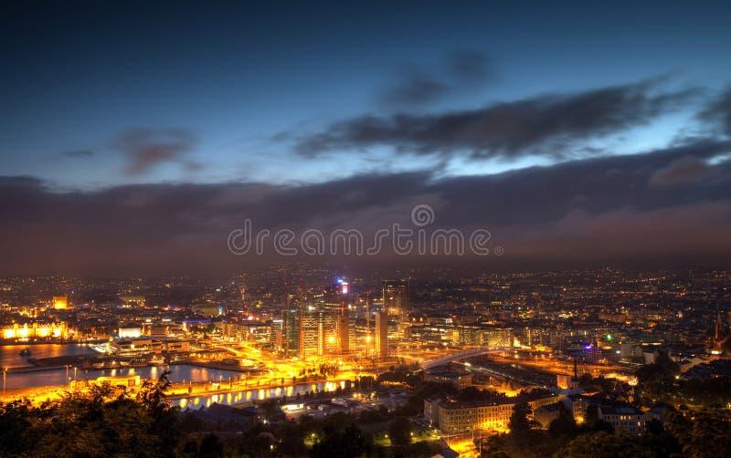 Oslo bis zum Night lizenzfreie stockfotografie