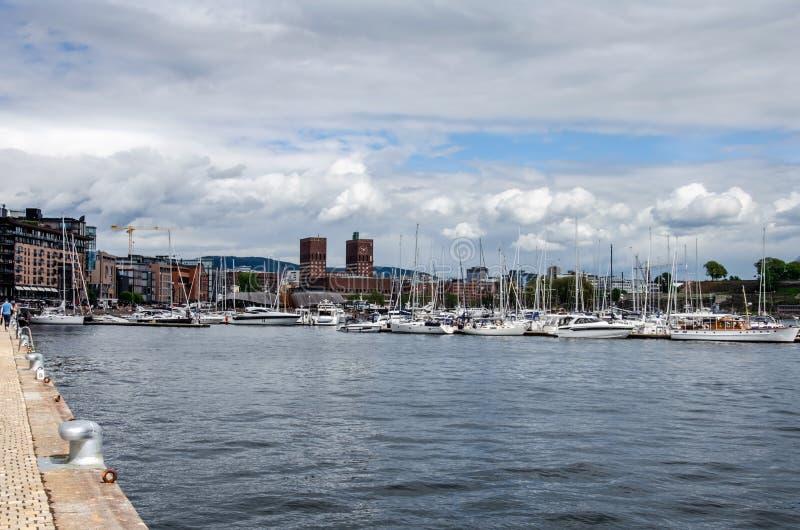 Oslo Cityhall i Aker most obraz stock